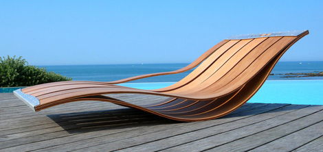 Wooden Modern Outdoor Lounge Chair With Unique Design