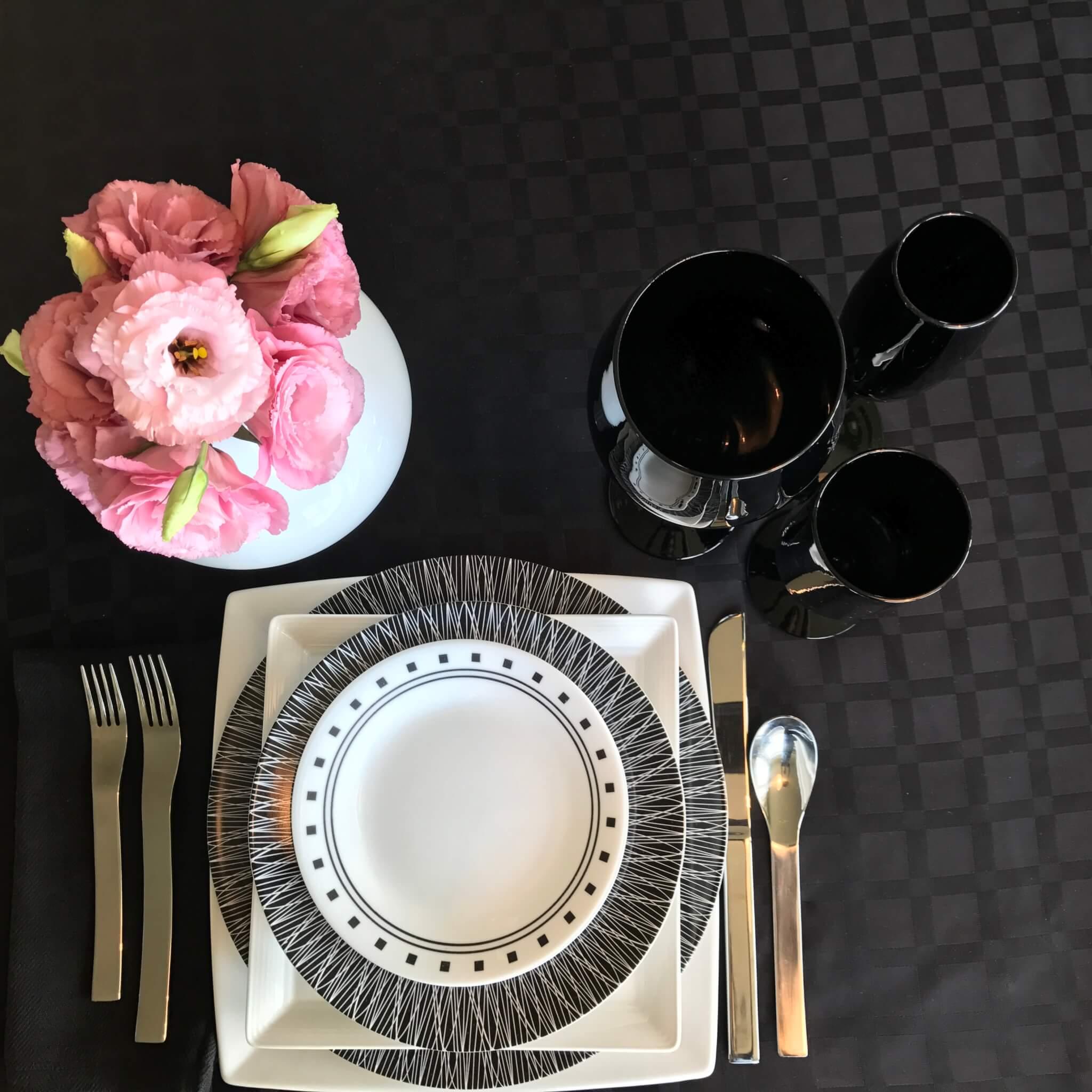 Tabletop Tuesday – Black + White Pop Art