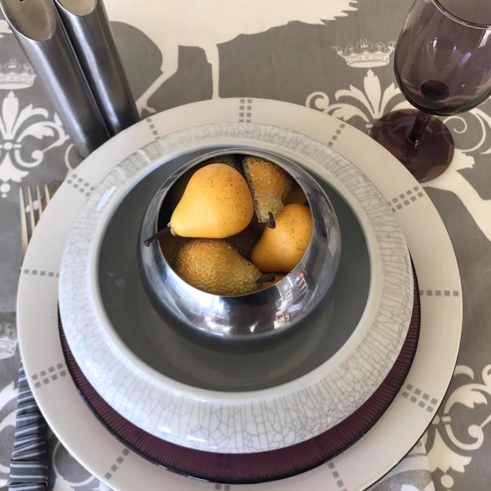 Tabletop Tuesday – Grey, White + Purple