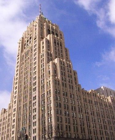 375px-Fisher_Building_Detroit_crop