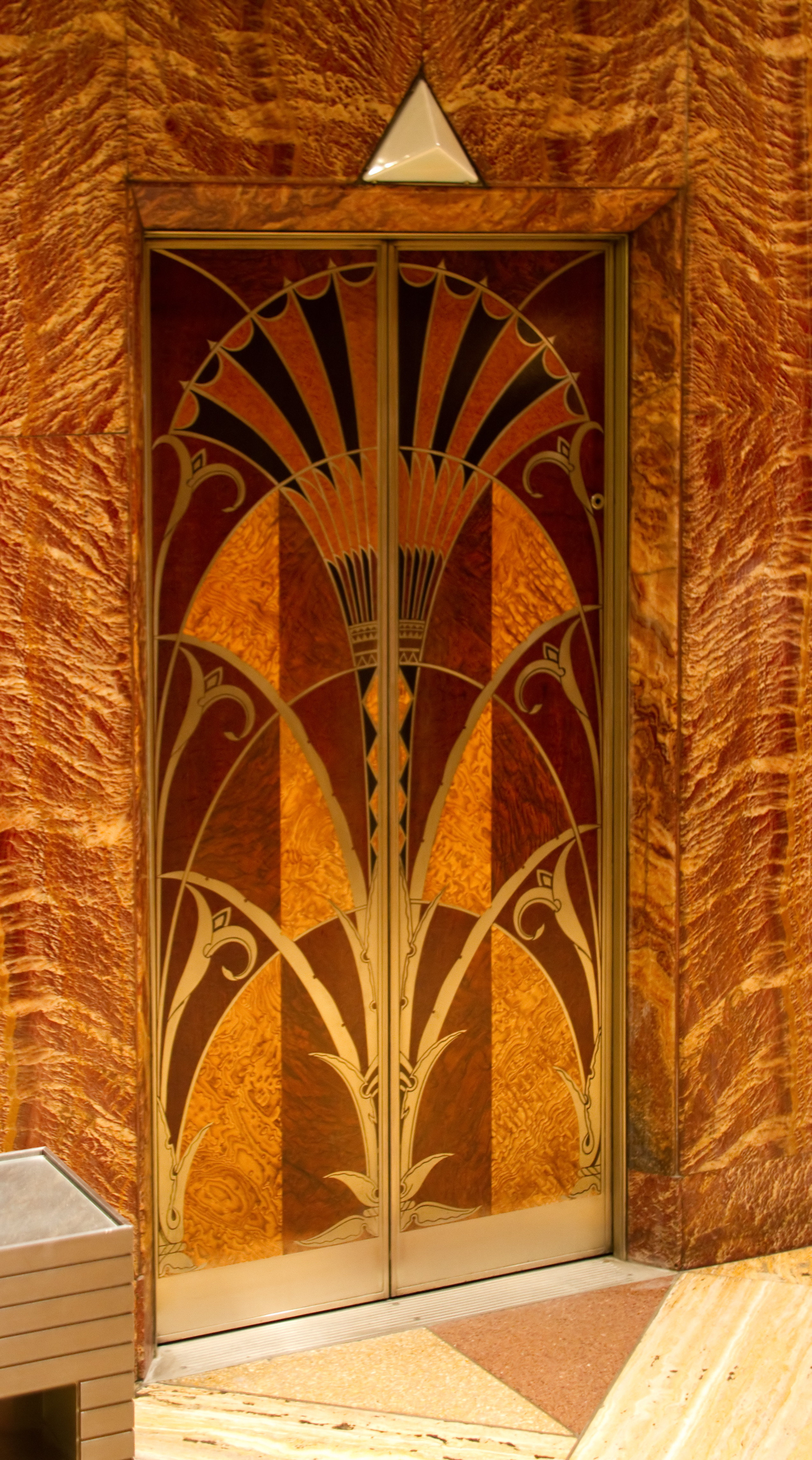 Lift_door_Chrysler_Building_Lobby